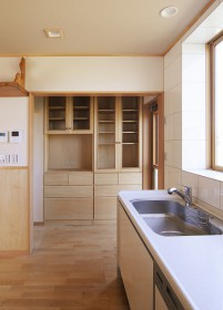 08食器棚