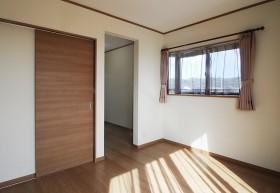湘南台2階寝室